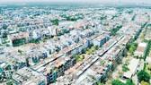 Một khu đông dân nhập cư tại quận 8, TPHCM. Ảnh: CAO THĂNG