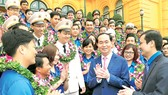 Chủ tịch nước Trần Đại Quang với các cán bộ Đoàn xuất sắc tiêu biểu nhận Giải thưởng Lý Tự Trọng năm 2018