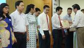 Công đoàn giáo dục TPHCM tặng bằng khen 49 tập thể, 148 cá nhân