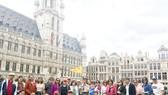 Đoàn khách TST tourist du ngoạn mùa thu châu Âu