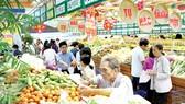 Giảm giá nhiều mặt hàng trong tháng Tự hào hàng Việt 2018