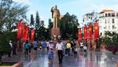 Tourists visit Ninh Kieu Wharf on September 2