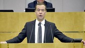 Thủ tướng Nga Dmitry Medvedev tuyên bố các biện pháp trừng phạt của Mỹ là phi lý