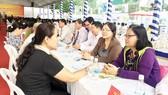 Người dân, doanh nghiệp nhờ tư vấn pháp lý tại Ngày hội Pháp luật TPHCM 2017
