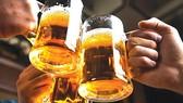Học trò uống bia