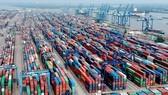 Chi phí logistics cao làm tăng chi phí của doanh nghiệp. Ảnh: CAO THĂNG