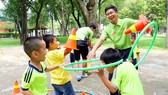 Trẻ em cần có những giờ học kỹ năng bổ ích thay vì những tiết học nặng về kiến thức. Ảnh: DŨNG PHƯƠNG