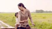 Một cảnh trong MV 8 lời nói dối của mẹ