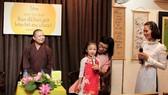 Chia sẻ những tình cảm yêu thương với cha mẹ trong ngày Vu Lan