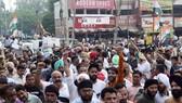 Nhiên liệu tăng giá ở Ấn Độ: Bùng phát biểu tình