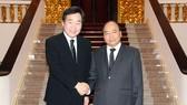 Thủ tướng Nguyễn Xuân Phúc và Thủ tướng Hàn Quốc Lee Nak-yeon. Ảnh: VGP