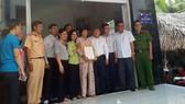 Ban An toàn giao thông TPHCM trao nhà tình thương tại xã Phú Xuân