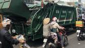 Xe ép rác mất vệ sinh và không an toàn