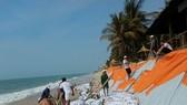"""Nhiều khu du lịch ở """"thủ đô resort"""" phải đóng cửa vì bị biển xâm thực"""