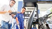 Thuế BVMT xăng dầu tăng kịch trần