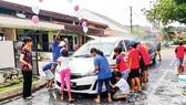 Người dân Malaysia góp sức giảm nợ công
