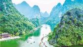 Di sản thế giới Tràng An (Ninh Bình) cần phải được gìn giữ, bảo vệ vẻ đẹp non nước hữu tình thiên nhiên ban tặng.