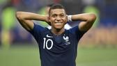 Kylian Mbappe nén chịu chấn thương để chơi trận chung kết World Cup