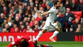 Joao Moutinho ăn mừng bàn thắng vào lưới De Gea