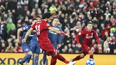 Mo Salah ghi cú đúp ở lượt đi để đạt đến cột mốc ghi 50 bàn cho CLB