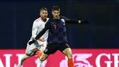 Andrej Kramaric ghi bàn chop Croatia trước Tây Ban Nha