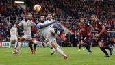 Mohamed Salah ghi hattrick để vươn lên dẫn đầu giải Vua phá lưới