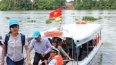 Du khách tham quan tour đường sông ngày 28.9