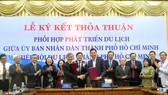 UBND TPHCM và Hiệp hội du lịch TPHCM ký kết thỏa thuận phối hợp phát triển du lịch TP.