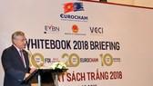 Lãnh đạo EuroCham phát biểu ra mắt Sách trắng 2018.