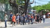 Khách Hàn Quốc tham quan các điểm du lịch tại trung tâm TP Đà Nẵng Ảnh: BÍCH VÂN