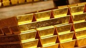 Giá vàng trong nước và thế giới tiếp tục giảm.