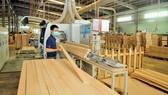 Chế biến đồ gỗ: Cạnh tranh sản phẩm thay vì giá