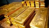 Giá vàng thế giới giảm sâu, vàng trong nước cầm chừng