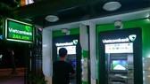 Cục Cạnh tranh yêu cầu các ngân hàng báo cáo việc tăng phí ATM
