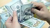 NHNN ngừng bán USD giá rẻ, USD tại NHTM tăng vọt