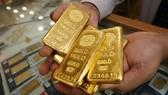 Giá vàng châu Á áp sát mức cao nhất trong 2 tháng