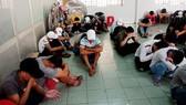 Kiểm tra quán bar Đông Kinh, phát hiện 95 người dương tính ma túy