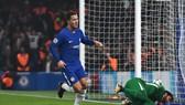 Hazard tỏa sáng, nhưng vẫn bị Conte thay ra