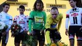 Dumoulin và Froome (từ phải qua) ở Tour de France 2017
