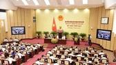 河內市人民議會2016-2021年任期第十五屆第六次會議昨(5)日上午在河內人民議會和人委會辦事處召開。