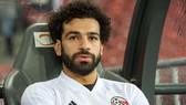Mohamed Salah ngồi dự bị trận thua Hy Lạp.