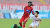 Chơi kiên cường, Nam Định giành 1 điểm trên sân Lạch Tray