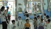 Năm học 2009-2010, đối với vùng khó khăn: Sẽ miễn học phí bậc mầm non