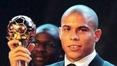 """Ronaldo """"béo"""" giải nghệ vào ngày lễ Valentine!"""