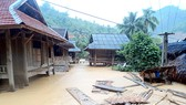 Floods maroon mountainous communes in Nghe An