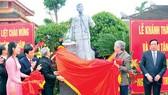 Khánh thành tượng Đại tướng Nguyễn Chí Thanh tại Huế