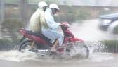 Đà Lạt: Mưa xối xả, nhiều tuyến đường biến thành sông