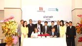 Ngân hàng Standard Chartered (Việt Nam) và Tổng Công ty Tín Nghĩa ký kết hợp đồng tài trợ thương mại 22 triệu USD