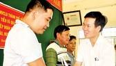 Tổng LĐLĐ Việt Nam và TPHCM thăm và tặng quà ngư dân đảo Lý Sơn