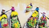 Du Xuân Phát Lộc cùng TST tourist
